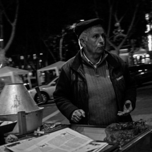 roast chestnut vendor | Lens model not set <br> Click image for more details, Click <b>X</b> on top right of image to close