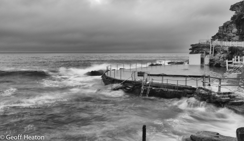 Bronte pool | Leica SUMMICRON 35mm f2 ASPH <br> Click image for more details, Click <b>X</b> on top right of image to close