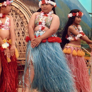 Hula Girls. | Leica Elmar 90mm f/4 collapsible <br> Click image for more details, Click <b>X</b> on top right of image to close