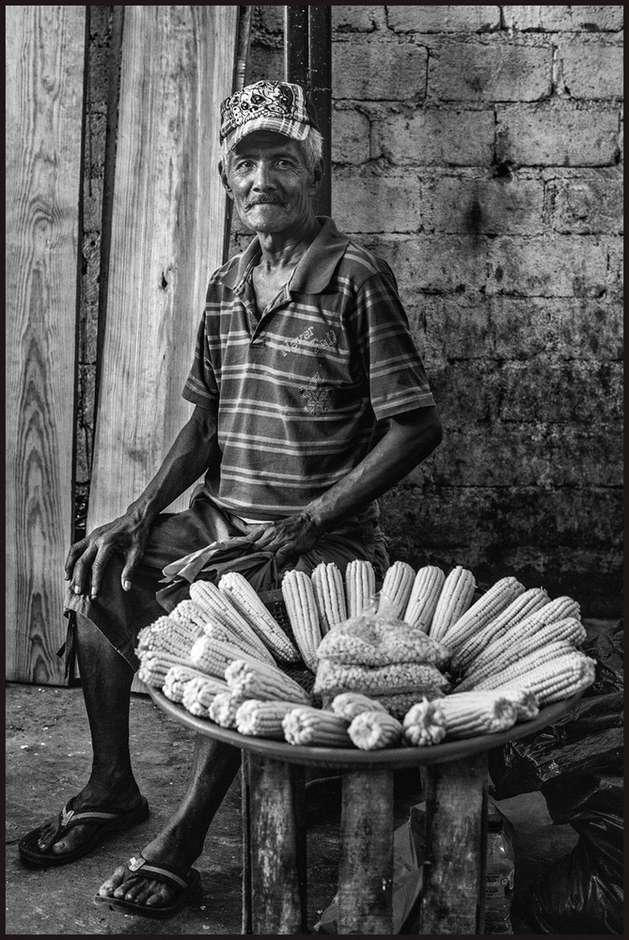 Corn Vendor | Zeiss ZF.2 Planar T* f1.4 50mm <br> Click image for more details, Click <b>X</b> on top right of image to close