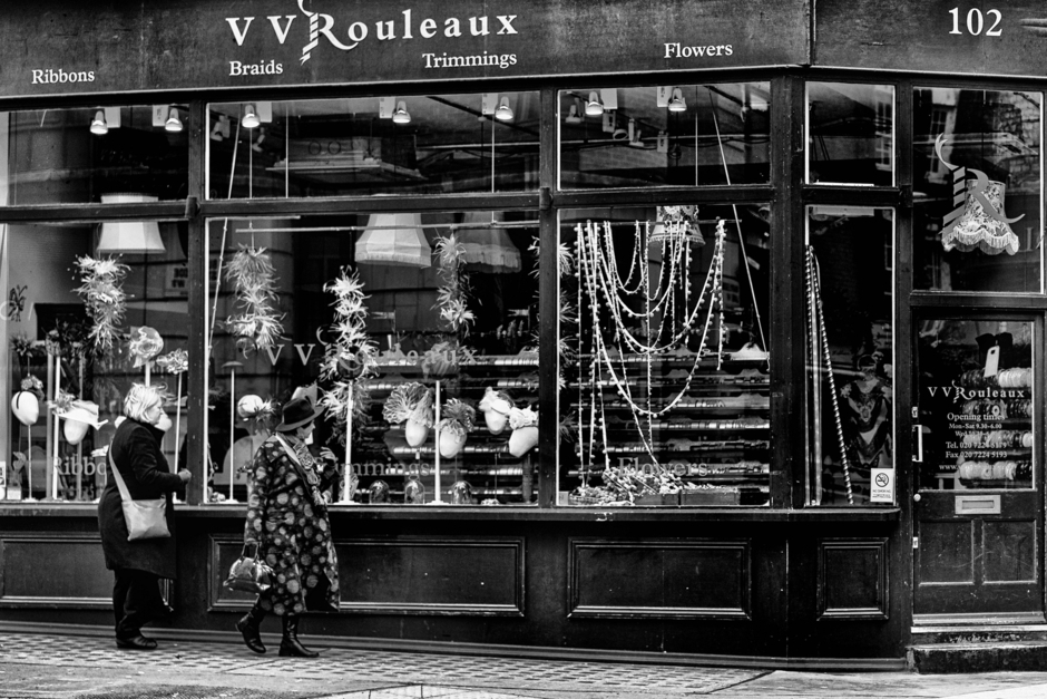 Rouleaux Marylebone: Can I wear this? | Lens model not set <br> Click image for more details, Click <b>X</b> on top right of image to close